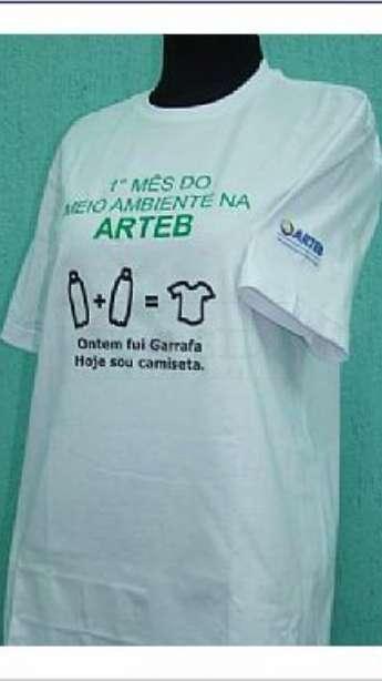 Foto camiseta em malha de pet reciclada gola careca