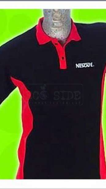 Camiseta em malha Pet piquet modelo Polo