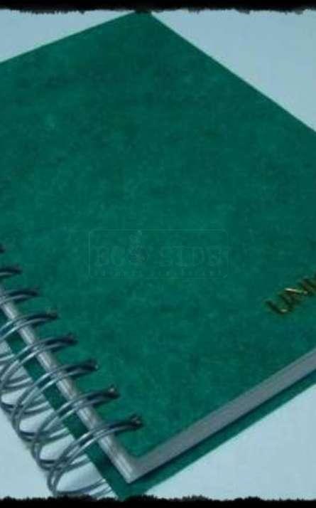 Agenda ecologica em papel artesanal de fibras naturais com wire-o