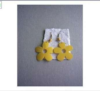 Foto: brincos em materiais reciclados