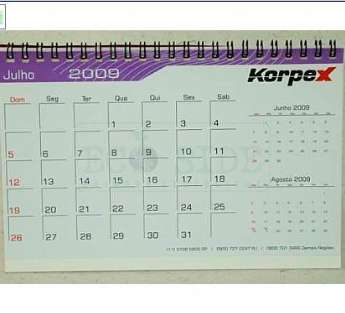 Foto: Calendario reciclado tipo Piramide