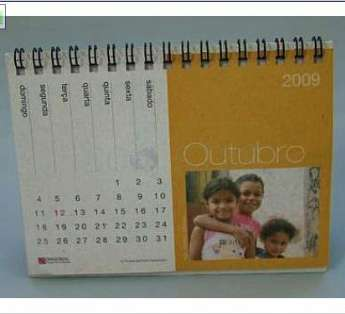 Foto: Calendario reciclado tipo Piramide