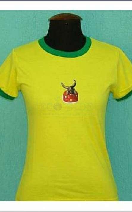 camiseta em malha de pet reciclada gola careca modelo baby look