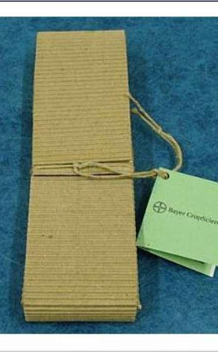 embalagem carteira para Lapis preto reciclado de galhos de poda de arvore